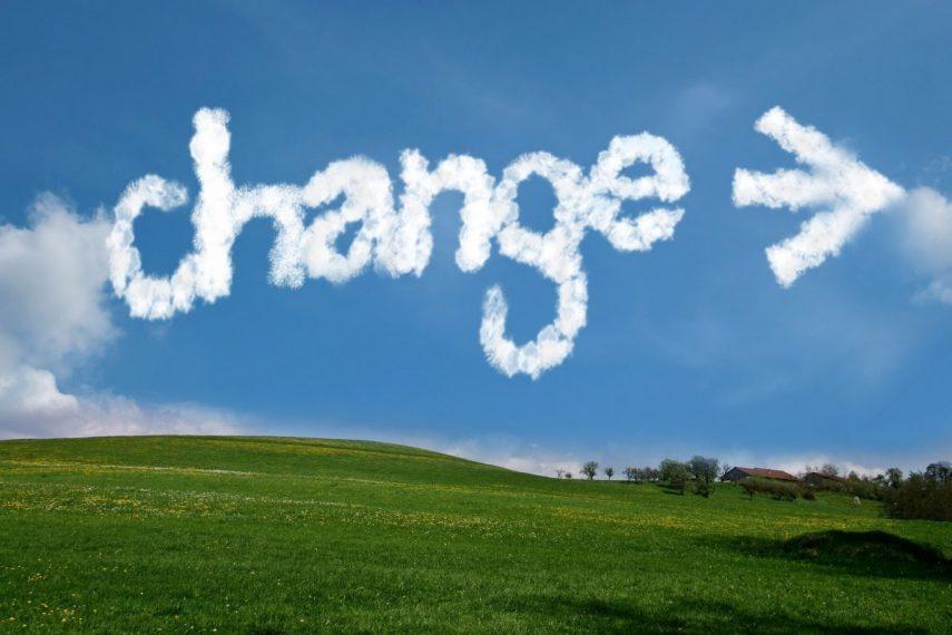 Wolke mit Pfeil und Schriftzug Change