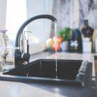 Stylischer Wasserhanh in Küche