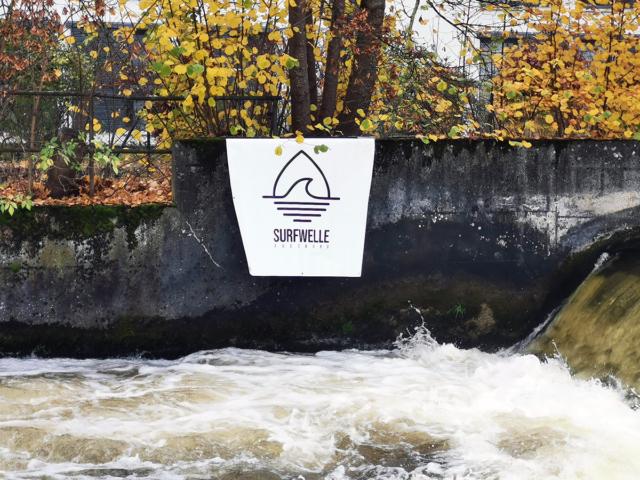 Südseefantasien am Senkelbach – die Surfwelle kommt! (1)